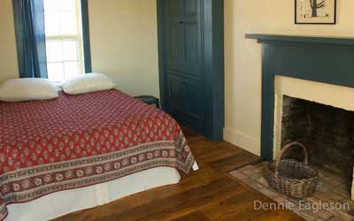 bedroom_howell_farm_lodging