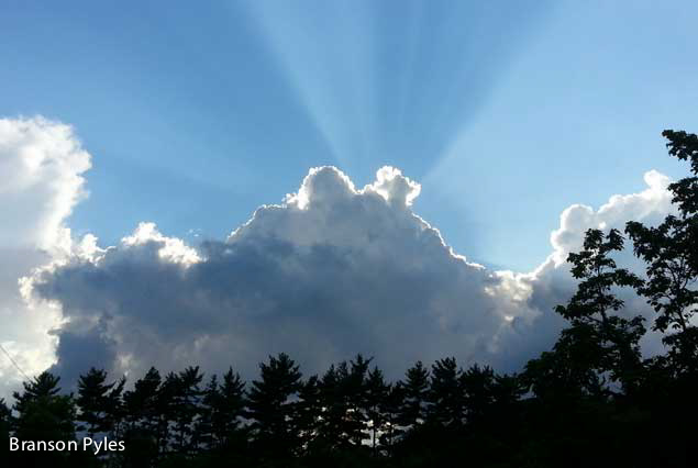 clouds-and-sun-howell-farm-lodging